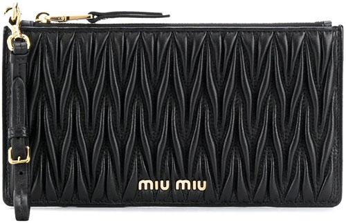 farfetch-miumiu-matelassé-black-leather-zip-wallet