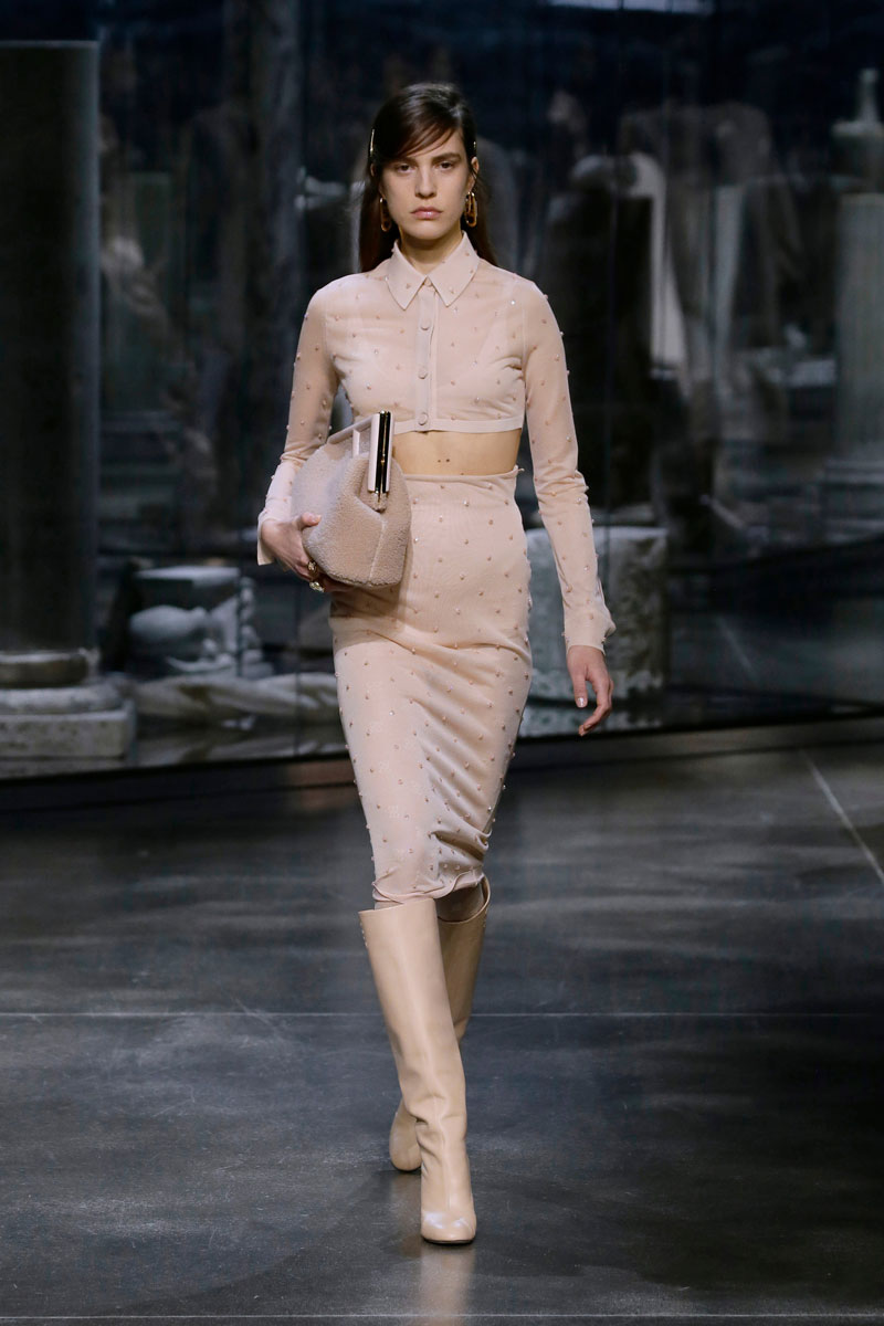 7-Fendi-Fall-2021-fashion-runway-show