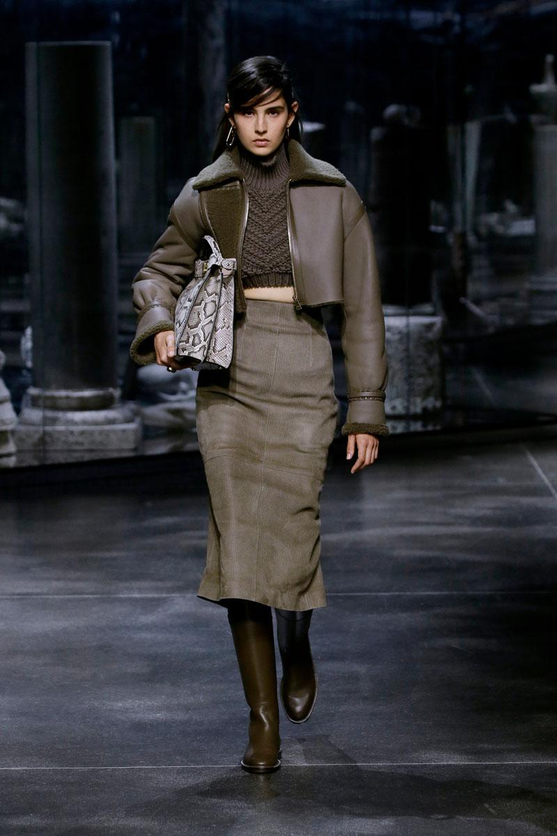18-Fendi-Fall-2021-fashion-runway-show