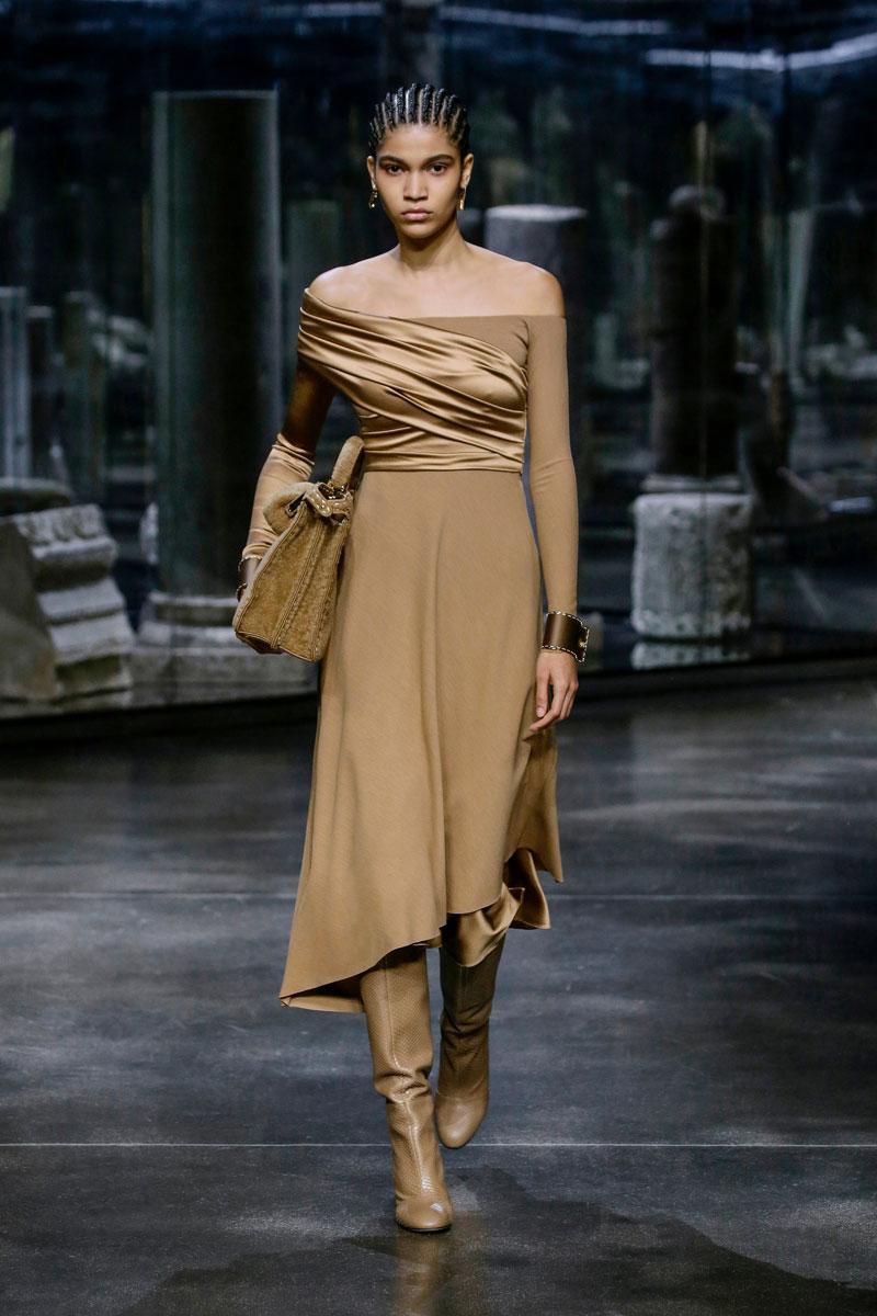 3-Fendi-Fall-2021-fashion-runway-show