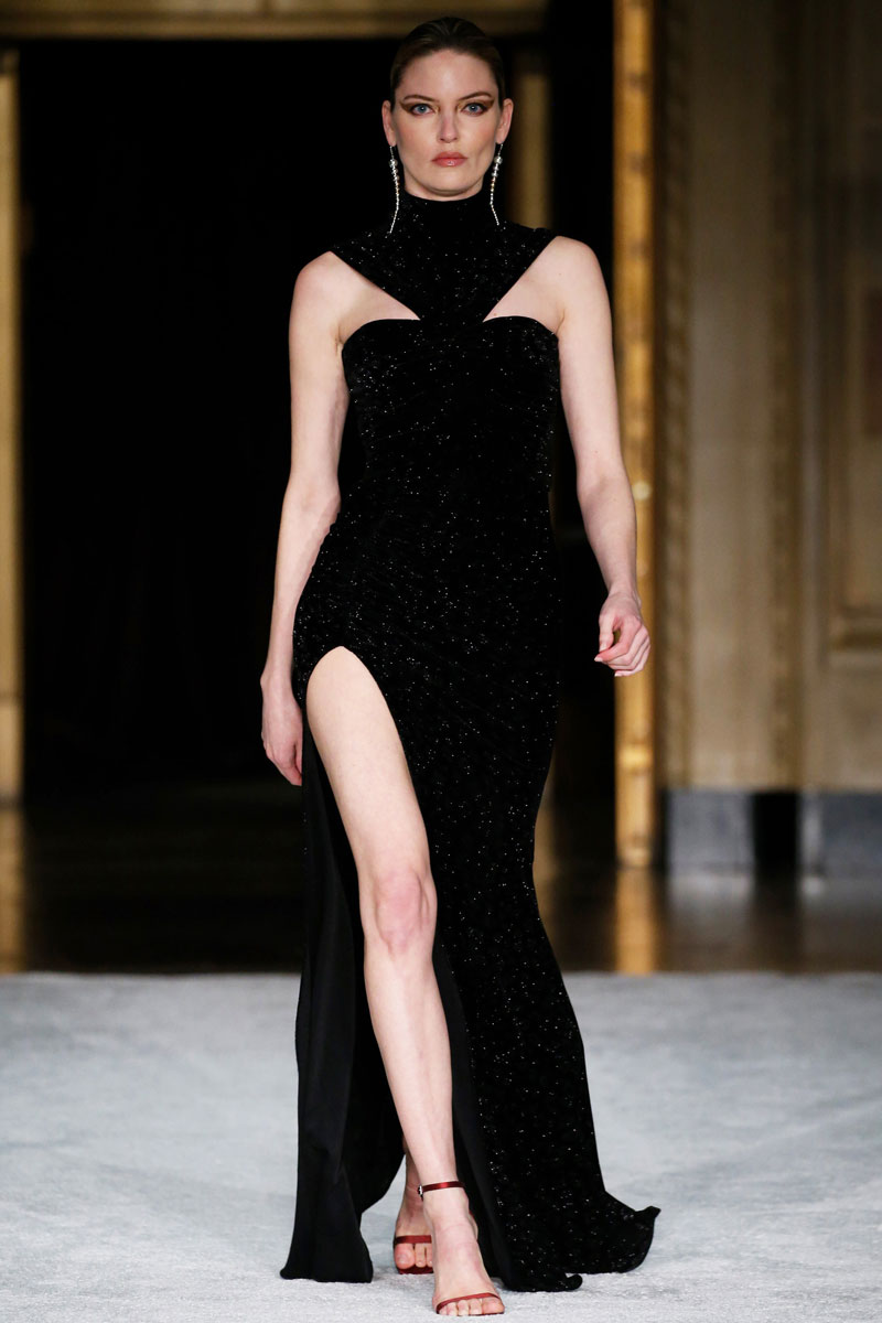20-Christian-Siriano-Fall-2021-fashion-runway-show