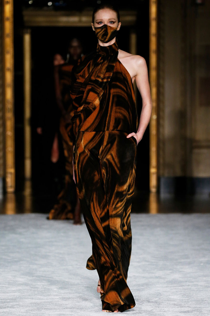 6-Christian-Siriano-Fall-2021-fashion-runway-show