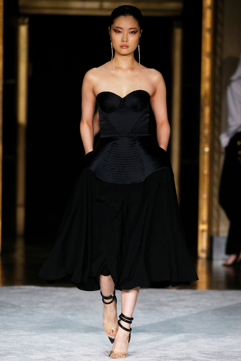11-Christian-Siriano-Fall-2021-fashion-runway-show
