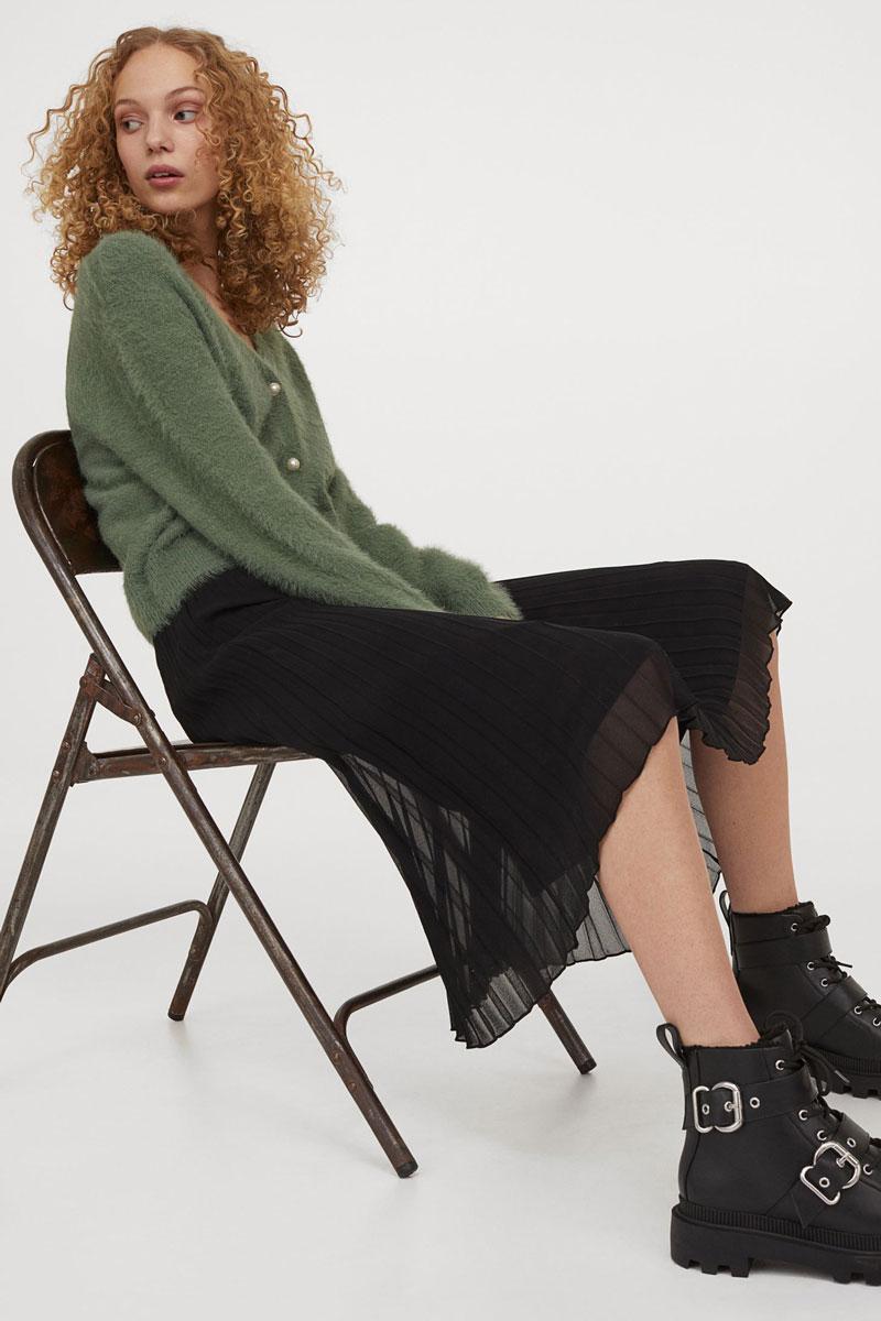 10_hm-black-pleated-skirt