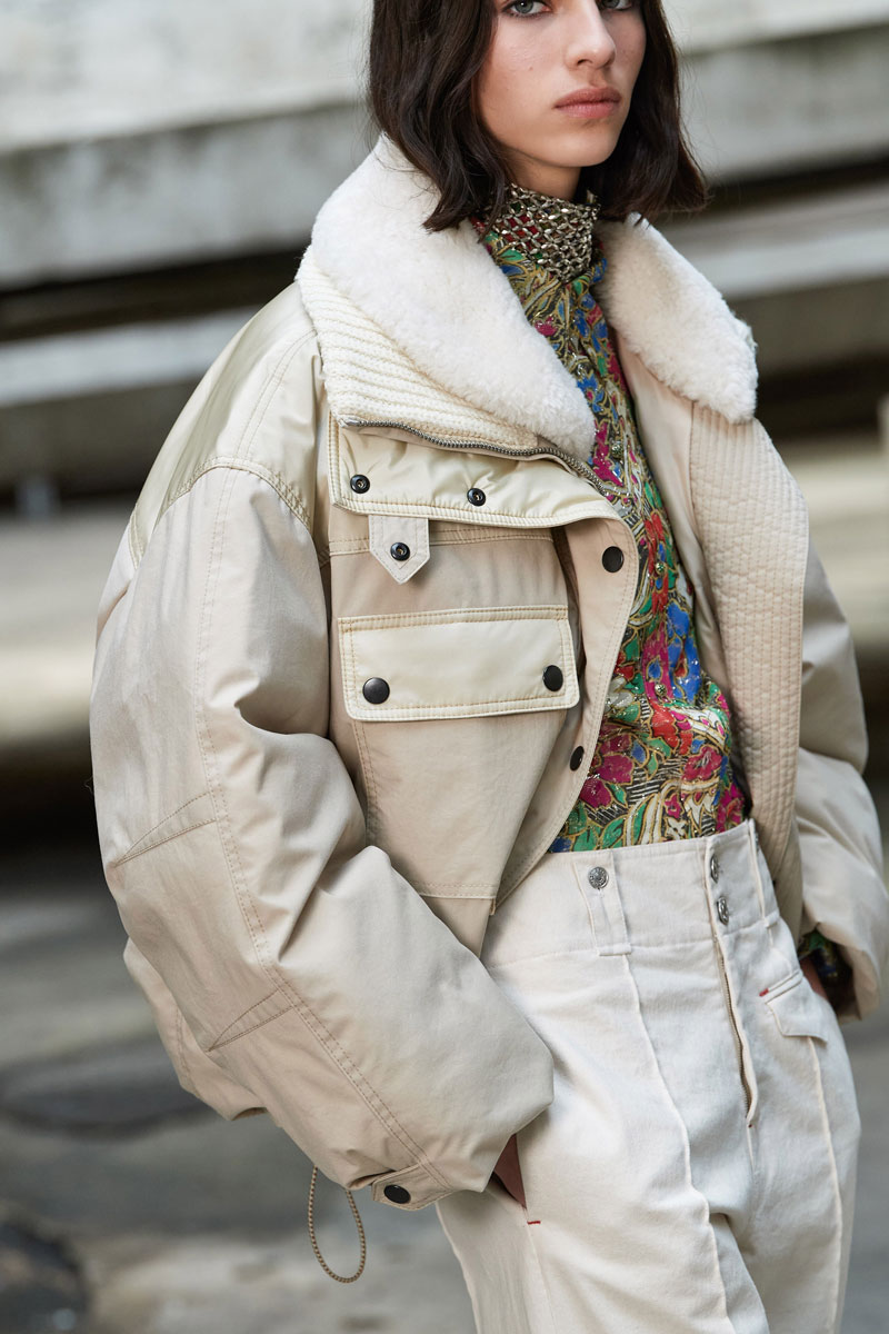 20_isabel-marant-fall-2021-runway-show-paris-fashion-week
