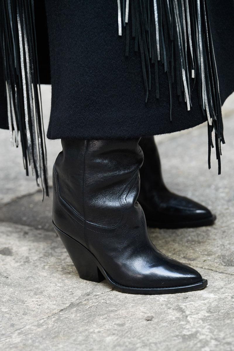 25_isabel-marant-fall-2021-runway-show-paris-fashion-week