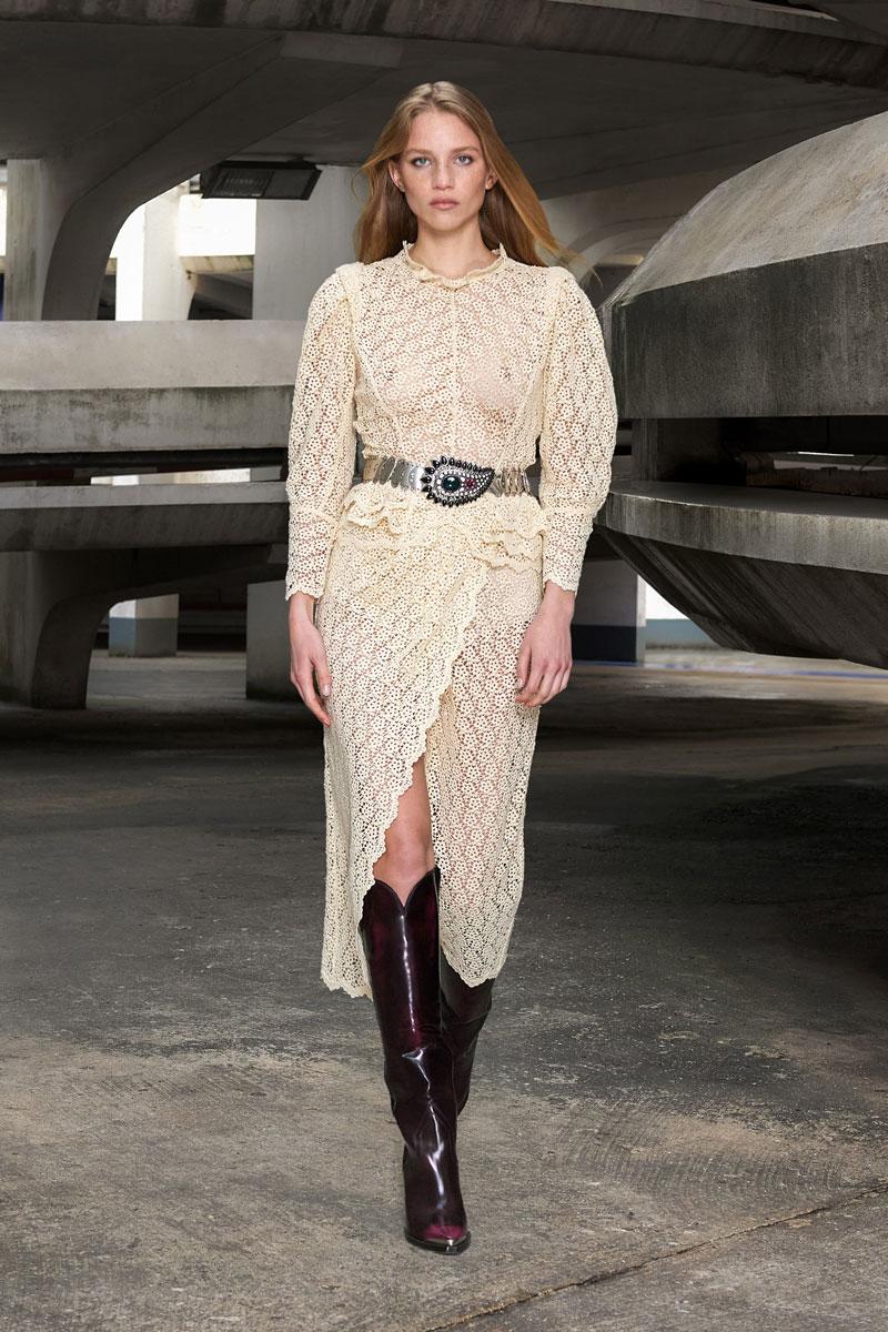 3_isabel-marant-fall-2021-runway-show-paris-fashion-week