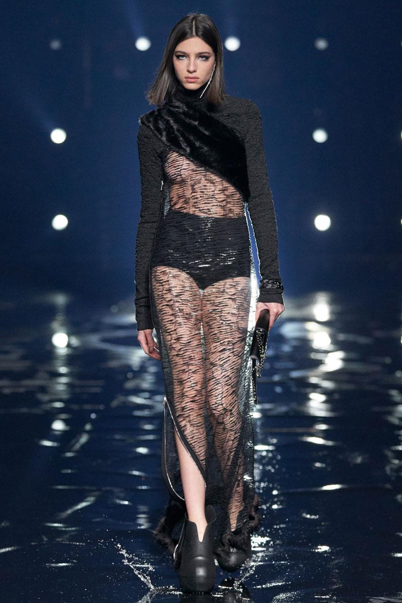 17_Givenchy-RTW-Fall-2021-runway-show-matthew-williams