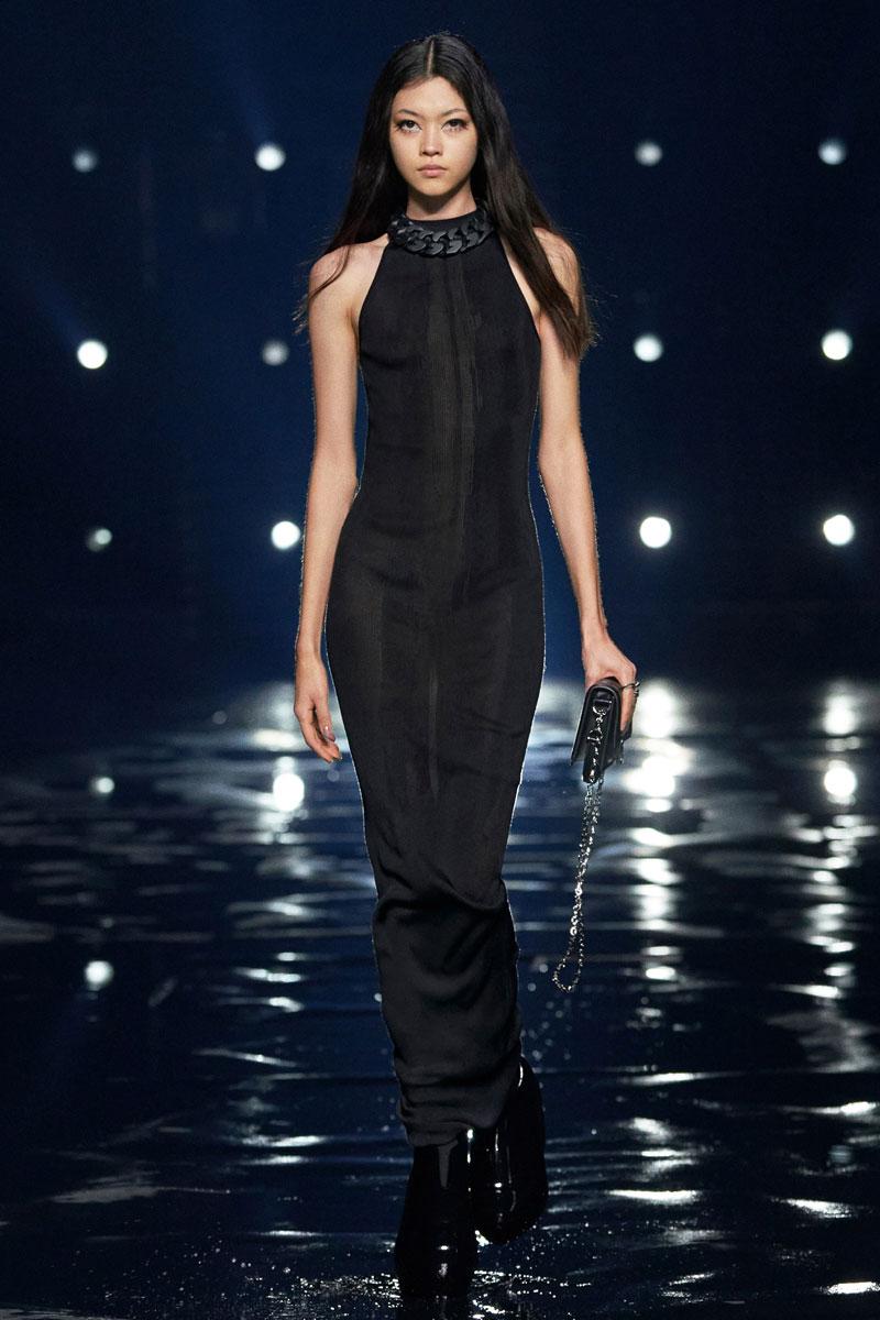 7_Givenchy-RTW-Fall-2021-runway-show-matthew-williams