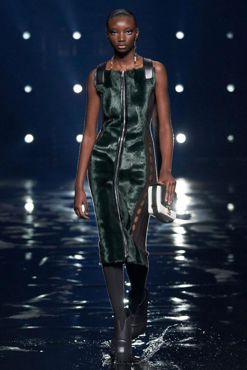 9_Givenchy-RTW-Fall-2021-runway-show-matthew-williams