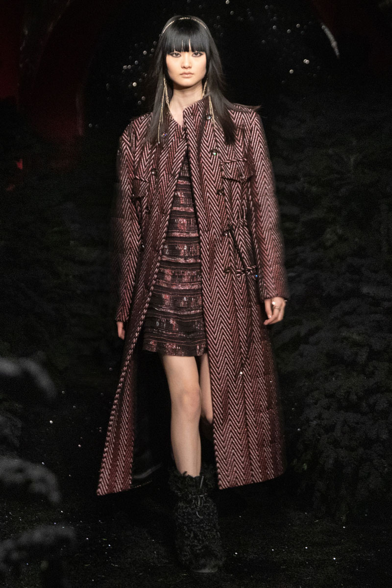 7_chanel-fall-2021-paris-runway-show-collection