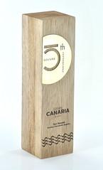 statuetka z drewna meranti grawerowana głęboko (2)