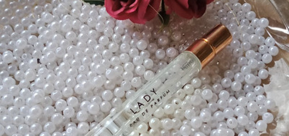 Frolicking in Bed of Roses with Carl & Claire Lady EDP (A Review)