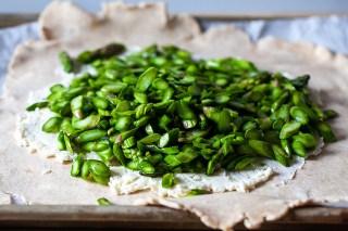 add the seasoned asparagus