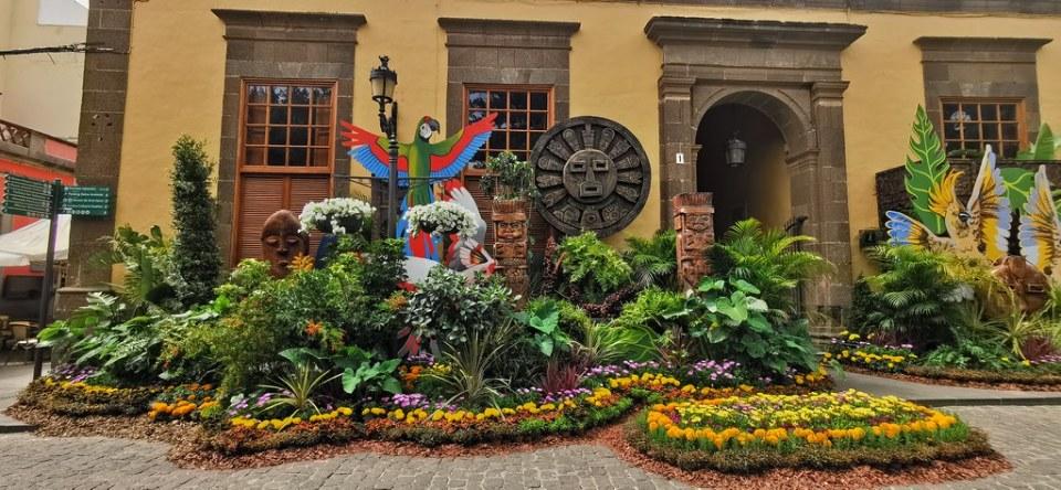 Plaza de Santiago decorada con flores Gáldar en Flor Gran Canaria Islas Canarias 02