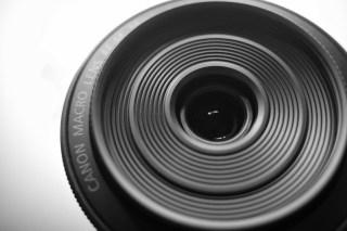 「EF-M 28mm F3.5 Macro IS STM」