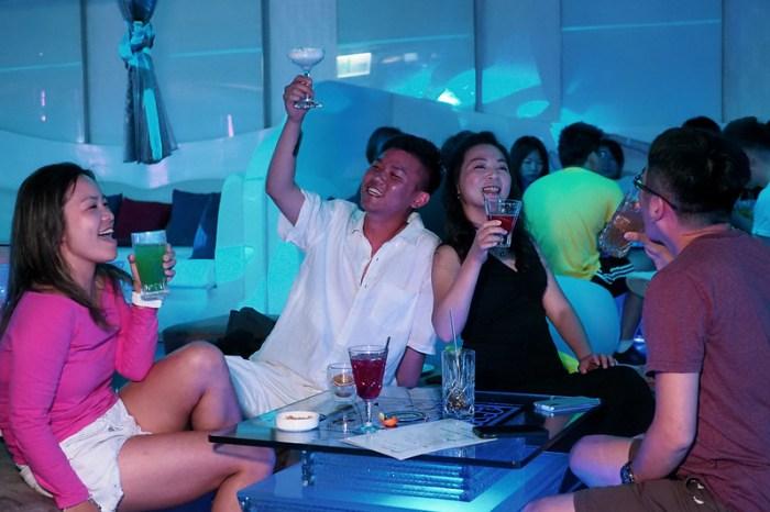 澎湖福朋喜來登 swave bar微浮酒吧 只有在澎湖才喝的到在地特調酒精飲品別錯過!
