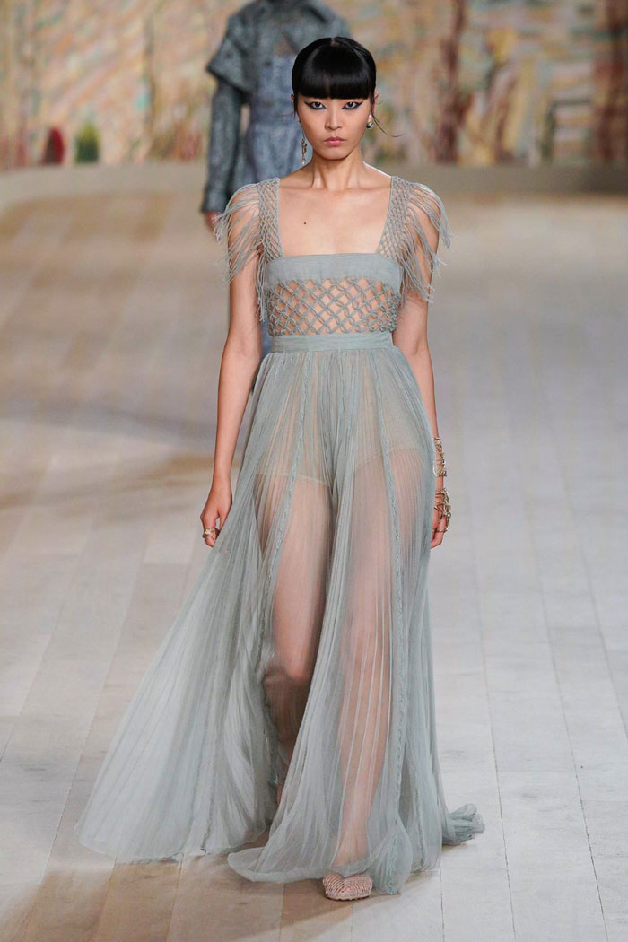 9_christian-dior-couture-fall-2021