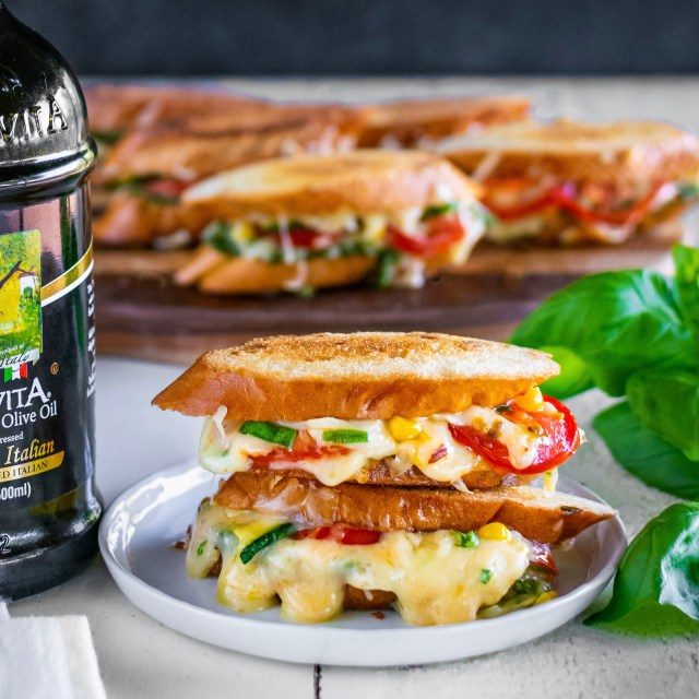 grilled cheese crostini melts