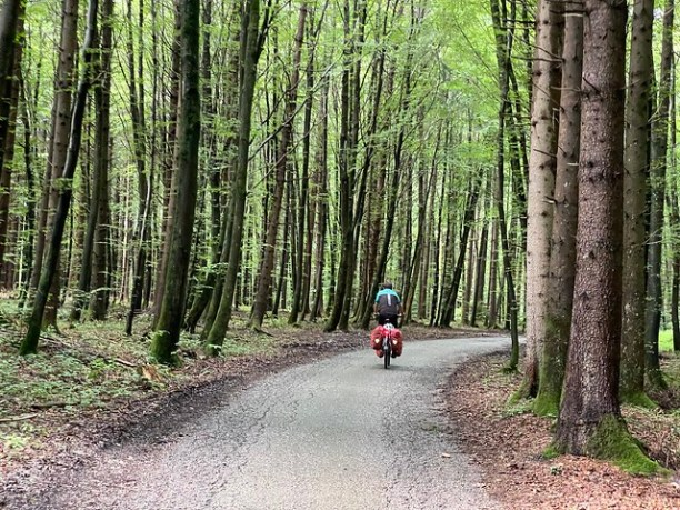 Schöner Radweg vor München