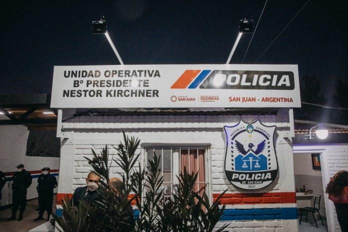 2021-08-12 PRENSA: Uñac entregó 50 viviendas en Albardón, firmó convenios para construir otras 227 e inauguró la refacción de una unidad policial