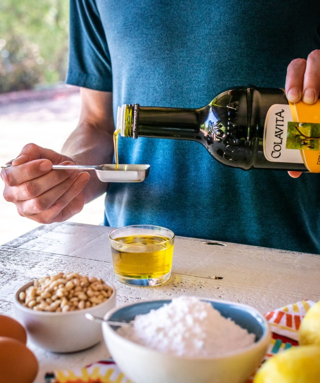 measuring the extra virgin olive oil