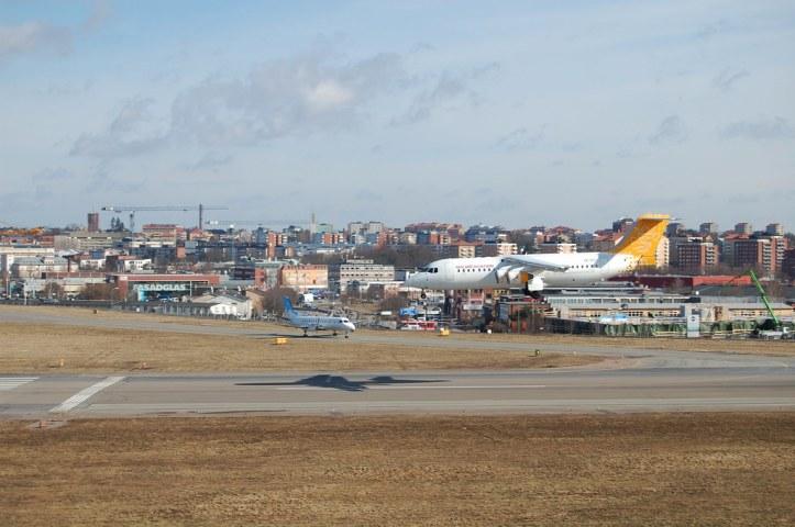 Malmö Aviation RJ100 Landing at Bromma Airport