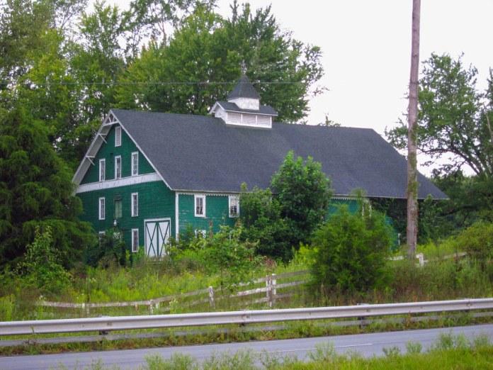 Green barn, Clay Co., US 40