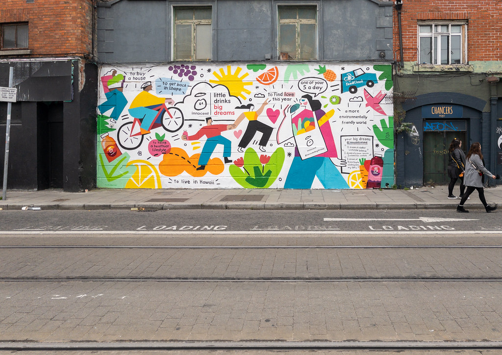 A NEW MURAL - THIS TIME COMMERCIAL [CHANCERY STREET NEAR THE NEW HILTON HOTEL]-198346