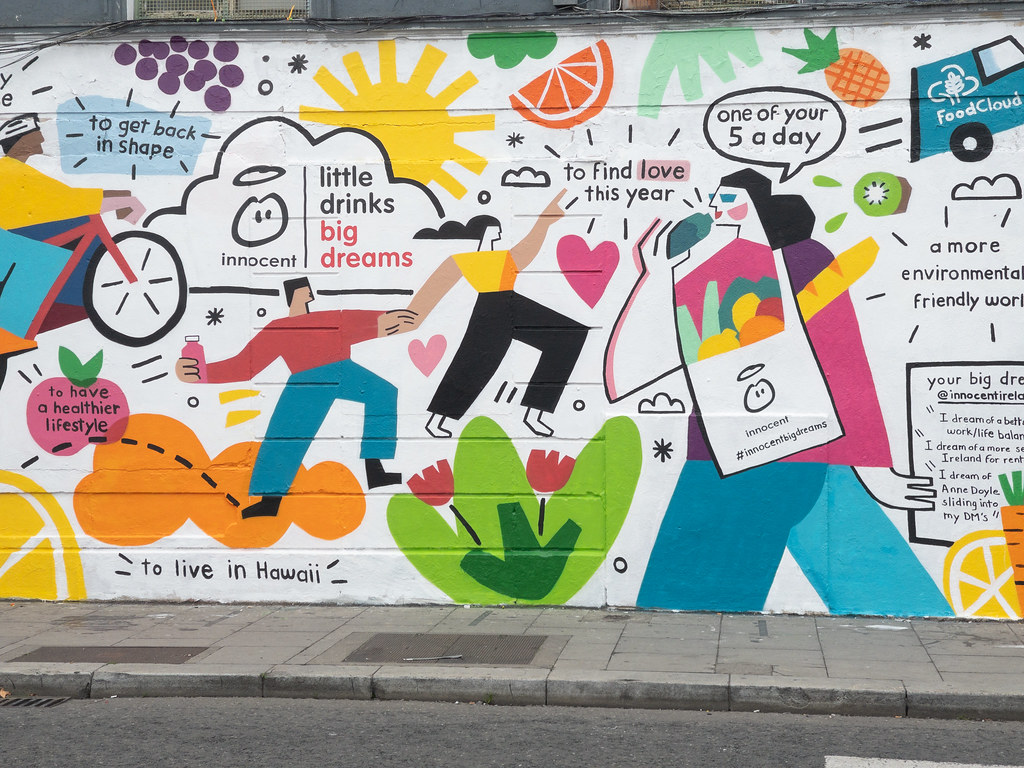 A NEW MURAL - THIS TIME COMMERCIAL [CHANCERY STREET NEAR THE NEW HILTON HOTEL]-198344