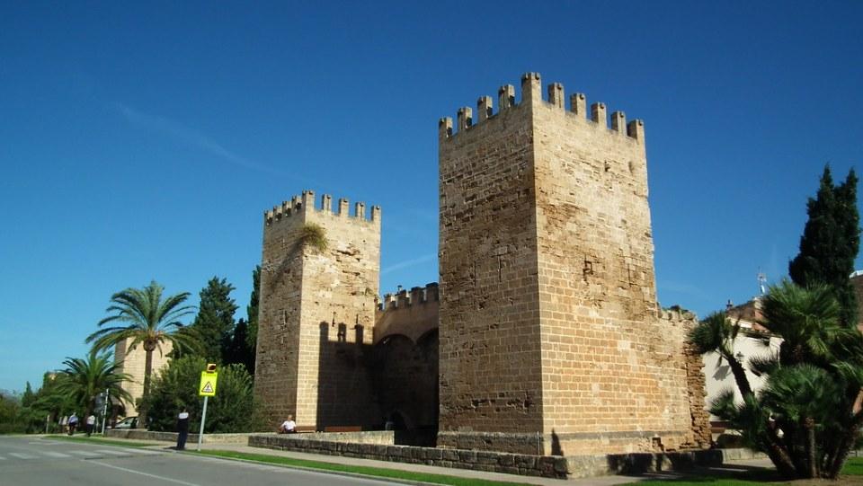 Alcudia Puerta de Mallorca o de San Sebastian Muralla Mallorca 05