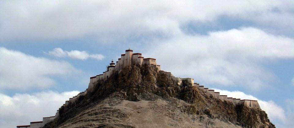 muralla fortificacion Dzong Gyantse monte Dzongri Tíbet China 18