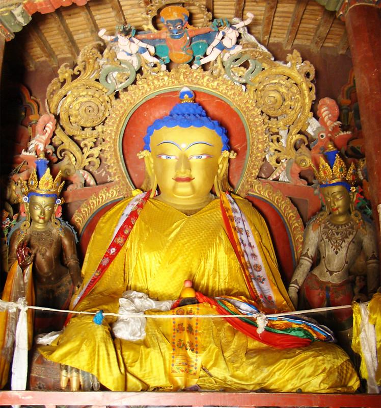 Estatua imagen budista interior Monasterio Palcho Gyantse Tibet China 28