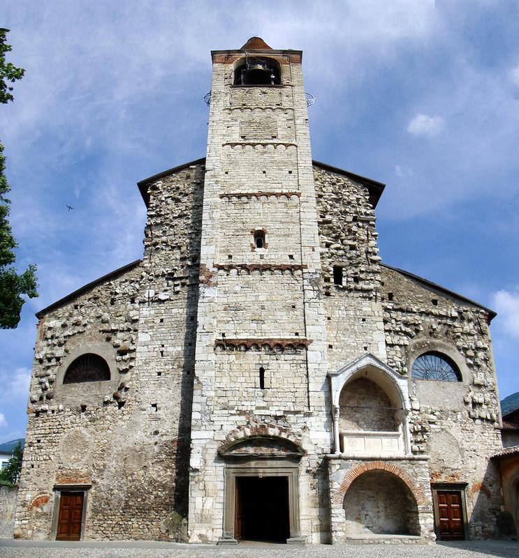 exterior Iglesia parroquial Pieve di Sant'Andrea Iseo Italia 05