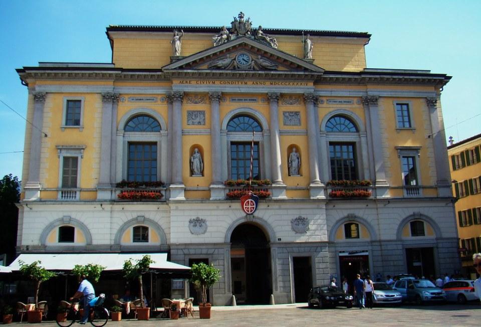 edificio del ayuntamiento de Lugano Suiza 07