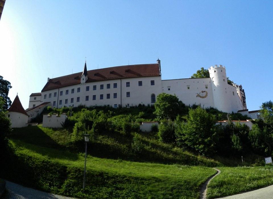 Füssen exterior muralla del palacio Castillo Alto Hohes Schloss Baviera Alemania 03