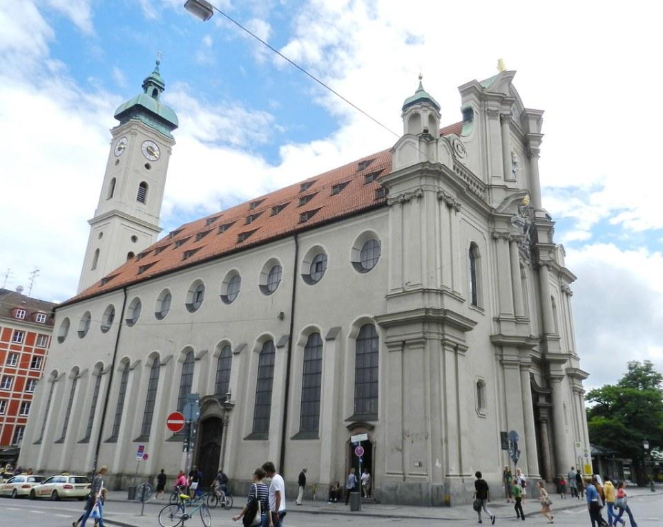 Munich iglesia espiritu santo Alemania 01