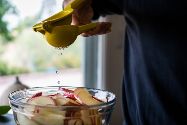 adding lemon juice keeps the apples from browning