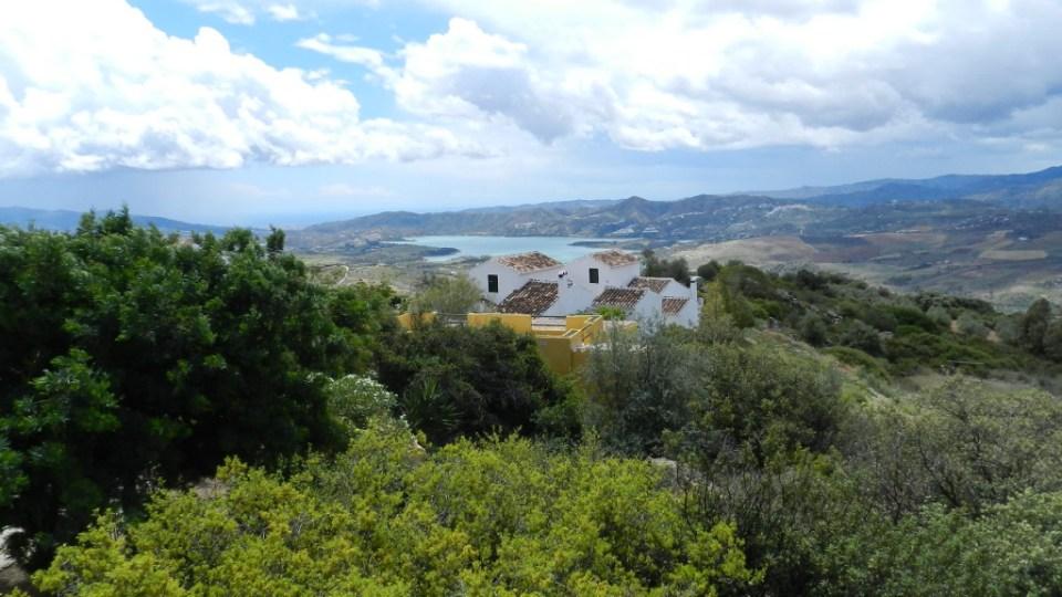 aldea de Cantueso y Embalse de la Viñuelaen en Periana Malaga 02