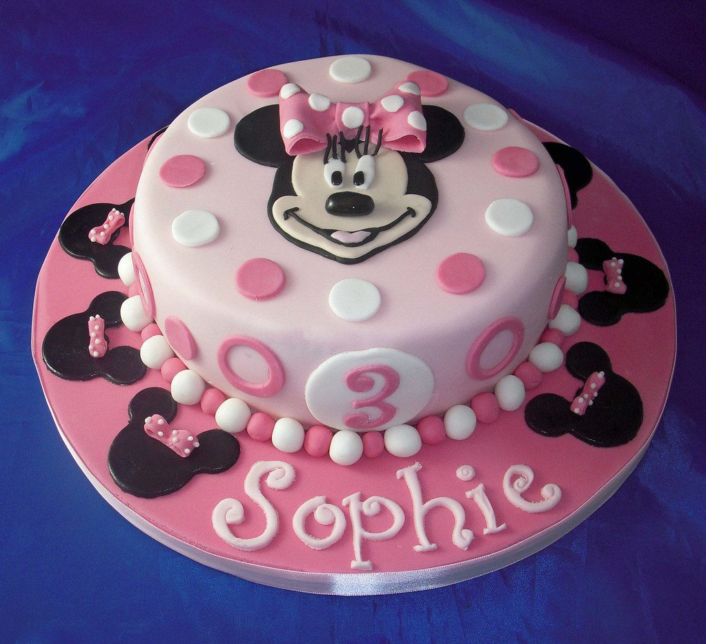Minnie Mouse Birthday Cake Here S A Cake For A Little Girl Flickr
