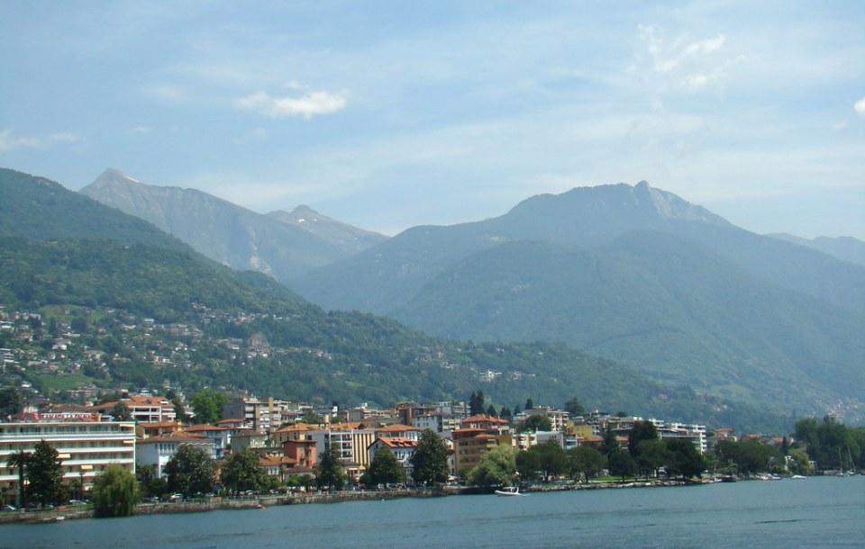 vista de Locarno desde Lago Maggiore Suiza 06