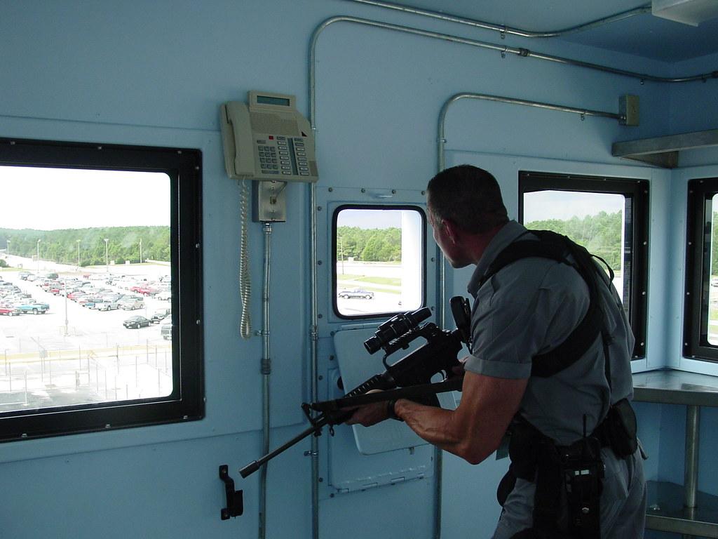 Get Security Guard Jobs