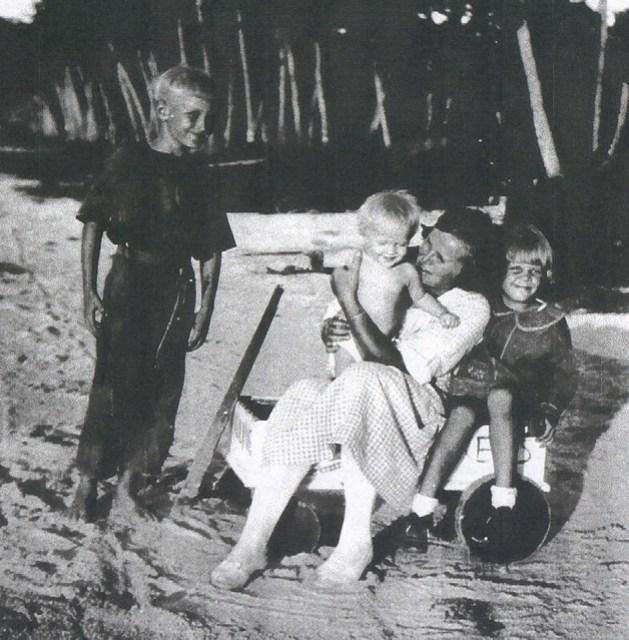 Gertrude Hornbostel and Children