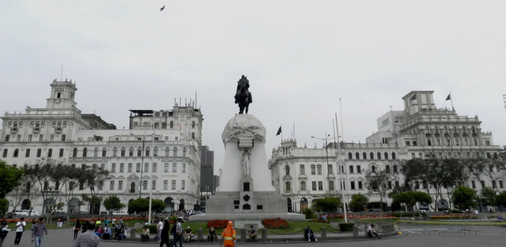 Lima monumento al General Jose de San Martin Plaza de San Martin Peru 06