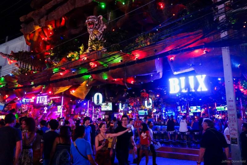 2013-04-26 Phuket - DSC06447-FullWM