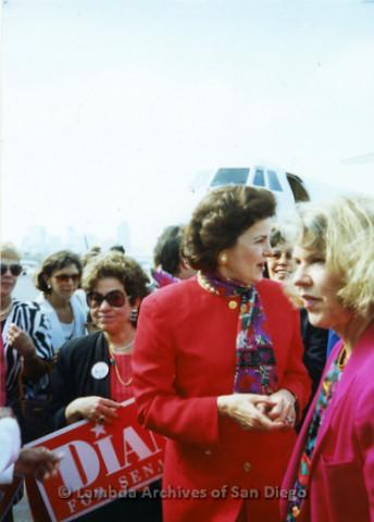 P341.031m.r.t Dianne Feinstein standing in crowd