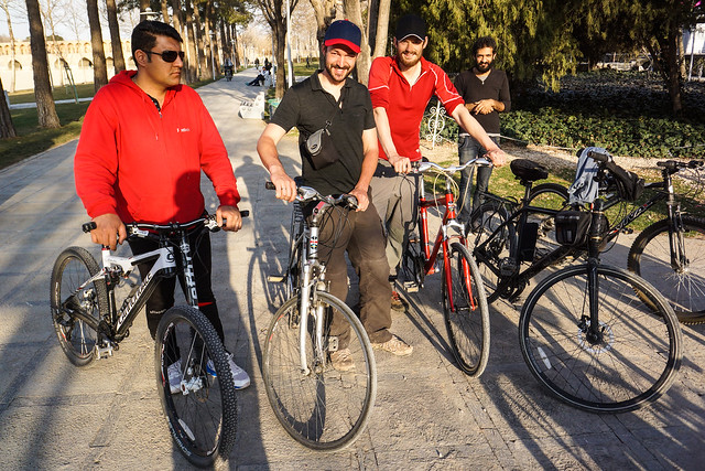Uber-friendly Esfahan cyclists