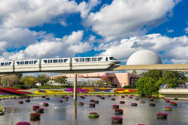 Monorail Monday - A Beautiful Florida Day