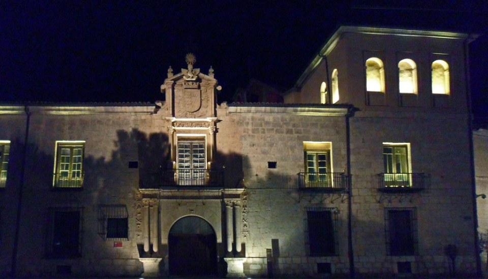 fachada Palacio Conde Gondomar Valladolid 01