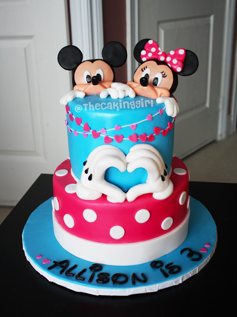 Mickey Mouse Minnie Mouse Cake How To Make A Mickey Mouse Flickr
